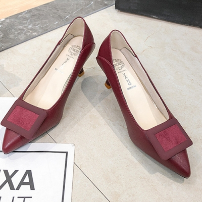 KEITH-WILL時尚鞋館 好評加碼方扣尖頭細跟鞋-紅