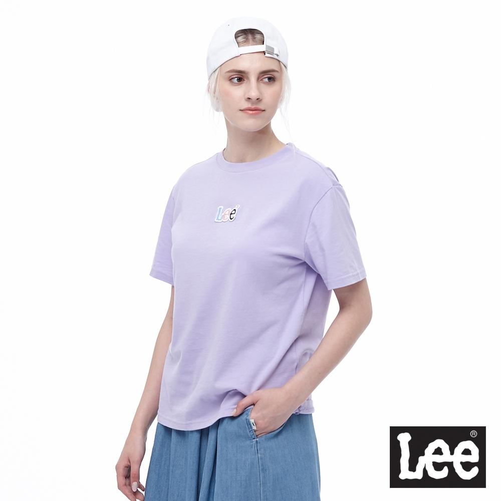 Lee 短T 彩色Logo 短袖圓領T 女 粉紫色
