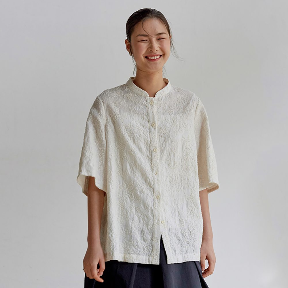 旅途原品_光線_原創設計亞麻米粒繡襯衫-米白色