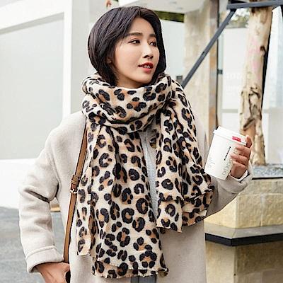 梨花HANA  韓國淺色豹紋不落俗套狂野風格圍巾