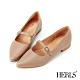 HERLS低跟鞋-全真皮瑪莉珍沖孔滾邊尖頭低跟鞋-卡其色 product thumbnail 1