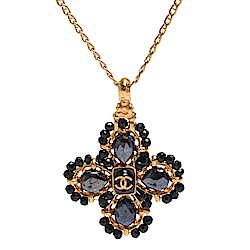 CHANEL 經典雙C LOGO寶石鑲飾造型墜飾項鍊(黑X金)