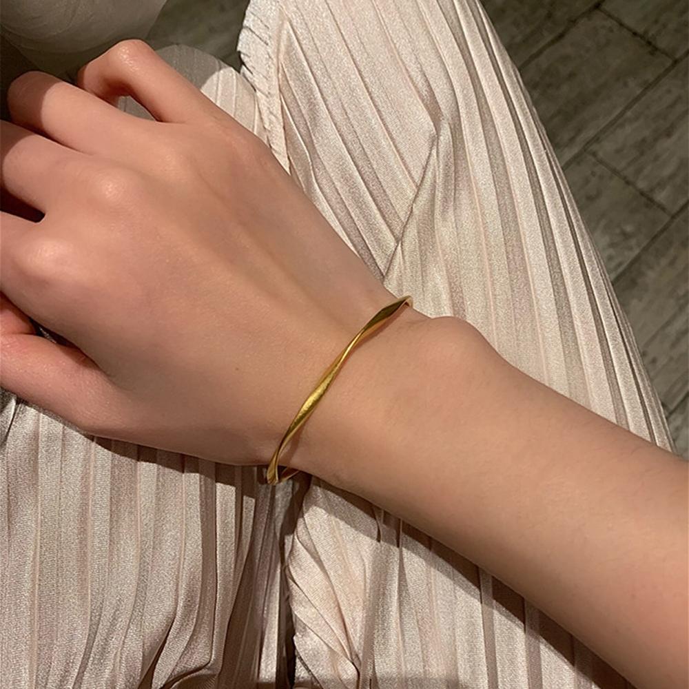 梨花HaNA 韓國極簡啞金氣質冷調曲線手環