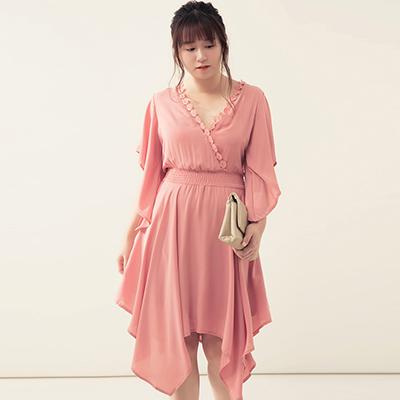 AIR SPACE PLUS 垂墜寬袖蕾絲花邊縮腰短洋裝(粉紅)