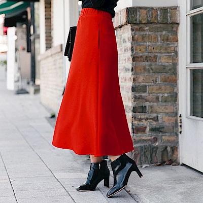 俐落剪裁修身純色壓紋長裙-OB大尺碼
