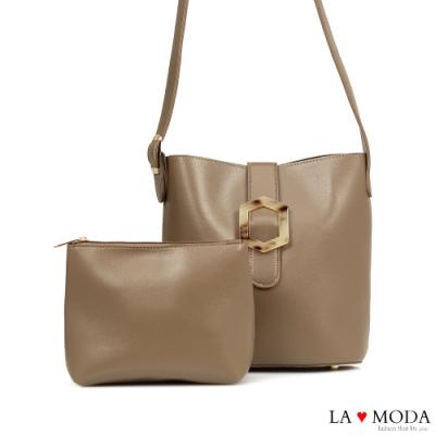 La Moda 時尚質感大釦飾設計大容量肩背斜背子母包(杏)