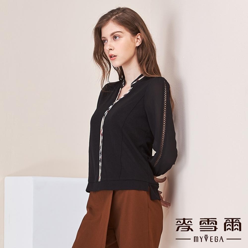 麥雪爾 格紋異材質拼接鏤空袖上衣-黑