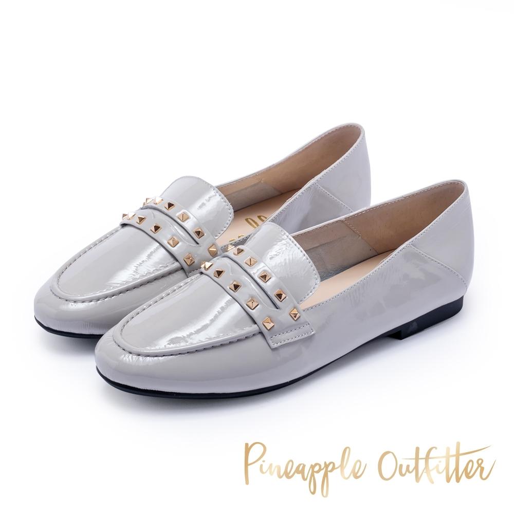 Pineapple Outfitter 英倫龐克 鉚釘亮皮牛津平底鞋-灰色