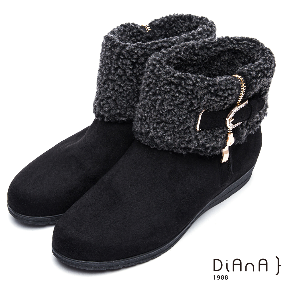 DIANA翻領羔羊毛皮帶鑽飾羊絨厚底短靴-俏麗有型-黑