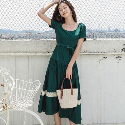 大圓領拼接縷空蕾絲長款洋裝 (綠色)-Kugi Girl