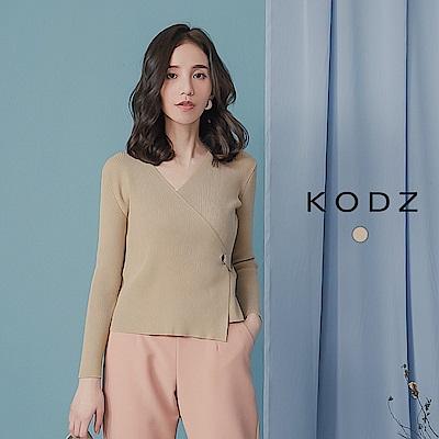 東京著衣-KODZ 個性首選釦環綁帶針織上衣