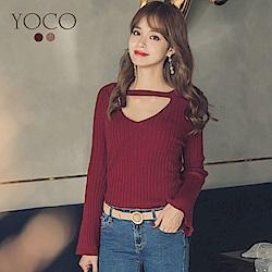 東京著衣-yoco 微性感坑條簍空V領喇叭袖針織上衣-S.M.L(共二色)
