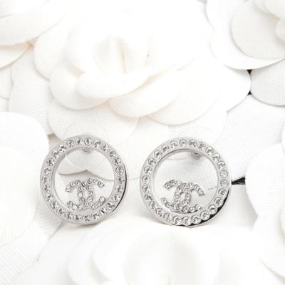 CHANEL 經典CC LOGO水鑽鑲嵌圓形鏤空造型穿式耳環 (銀色)