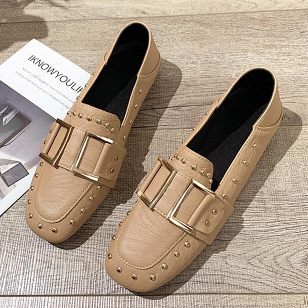 韓國KW美鞋館-(現貨)歐洲站鉚釘造型穆勒鞋(共1色) (杏色)
