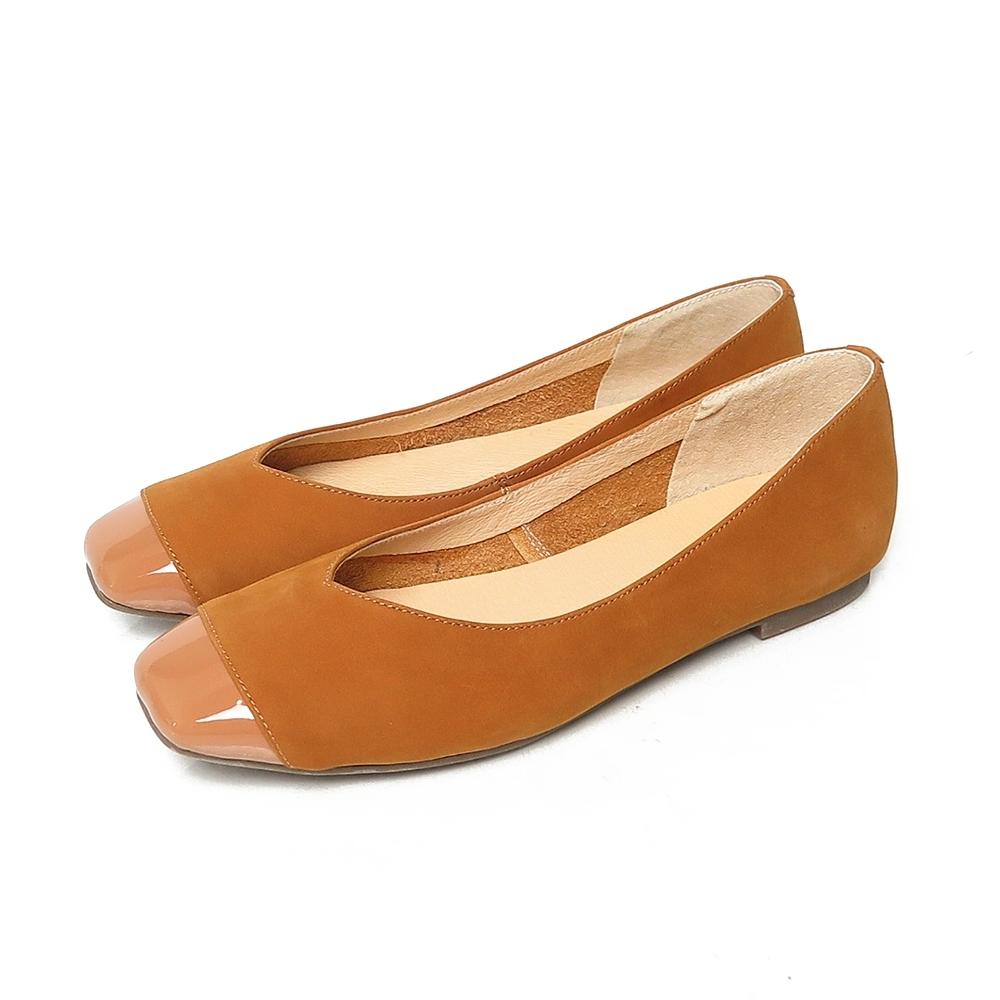 KOKKO超彈力方頭輕奢拼接真皮寬版平底鞋奶茶色