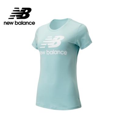 【New Balance】經典Logo短袖上衣_女性_淺藍_AWT91546DRZ