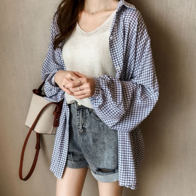 La Belleza小格子燈籠袖寬鬆防曬長版襯衫開釦外套