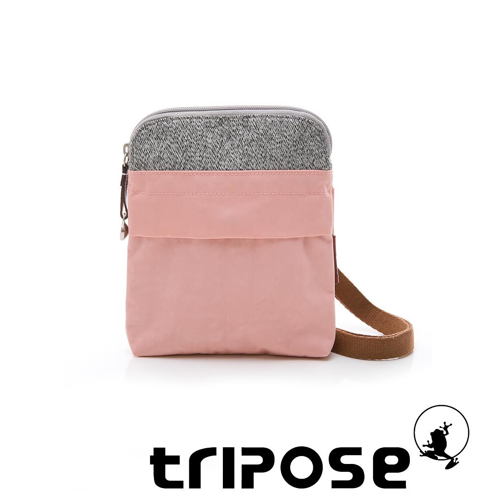 tripose 漫遊系列 岩紋x微皺尼龍護照斜背包 淺粉