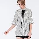Gennies專櫃-復古圓點造型綁帶上衣-白底黑點(T3F06)