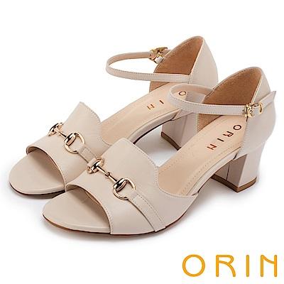 ORIN 經典復古 氣質牛皮馬蹄扣後包粗跟涼鞋-米色