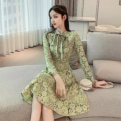 DABI 韓系蕾絲鉤花優雅收腰顯瘦蝴蝶結長袖洋裝
