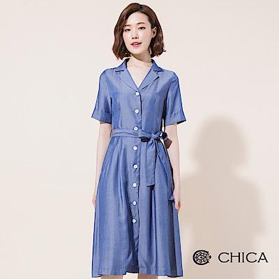 CHICA 復古仿丹寧襯衫領排釦洋裝(1色)