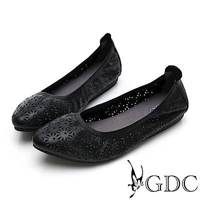 GDC-真皮雕花舒適素色尖頭平底包鞋-黑色
