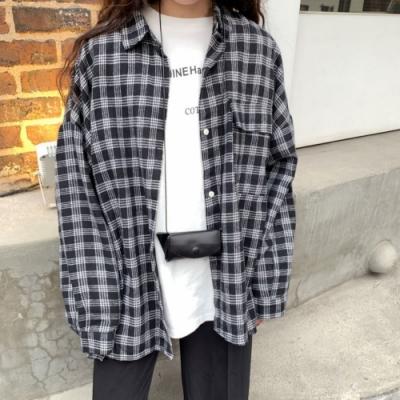 La Belleza格紋蓋口袋寬鬆燈籠袖落肩排釦襯衫外套