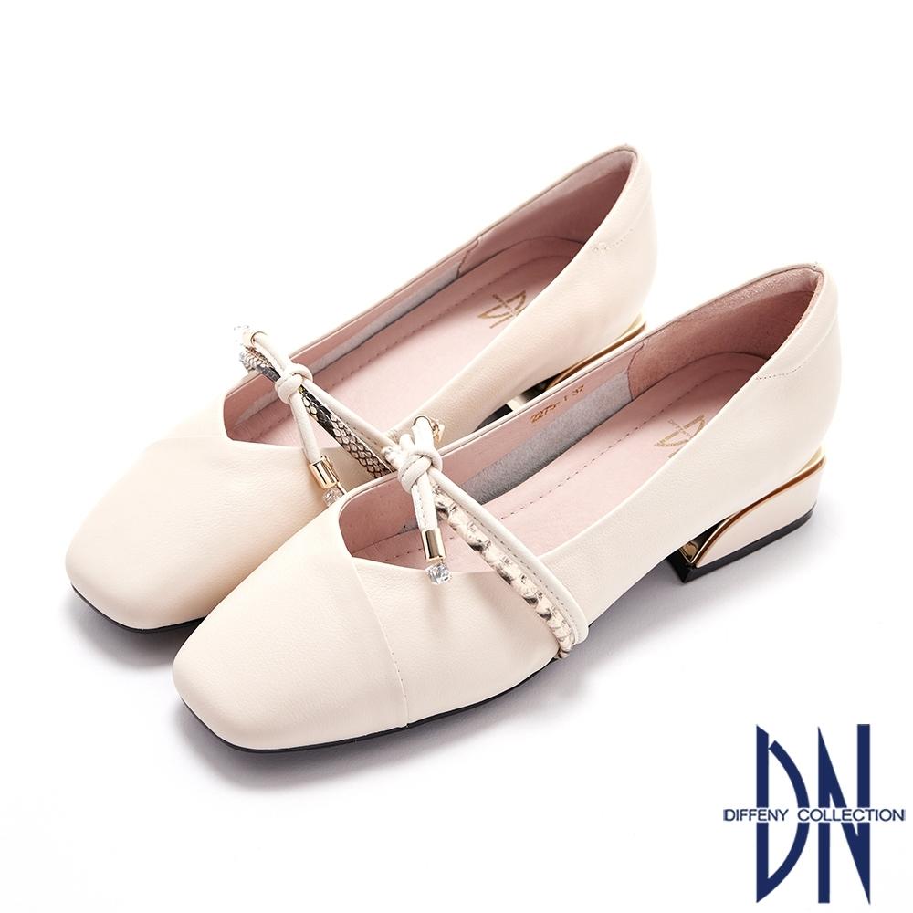 DN跟鞋_異材質拼接蝴蝶結真皮素面低跟鞋-米