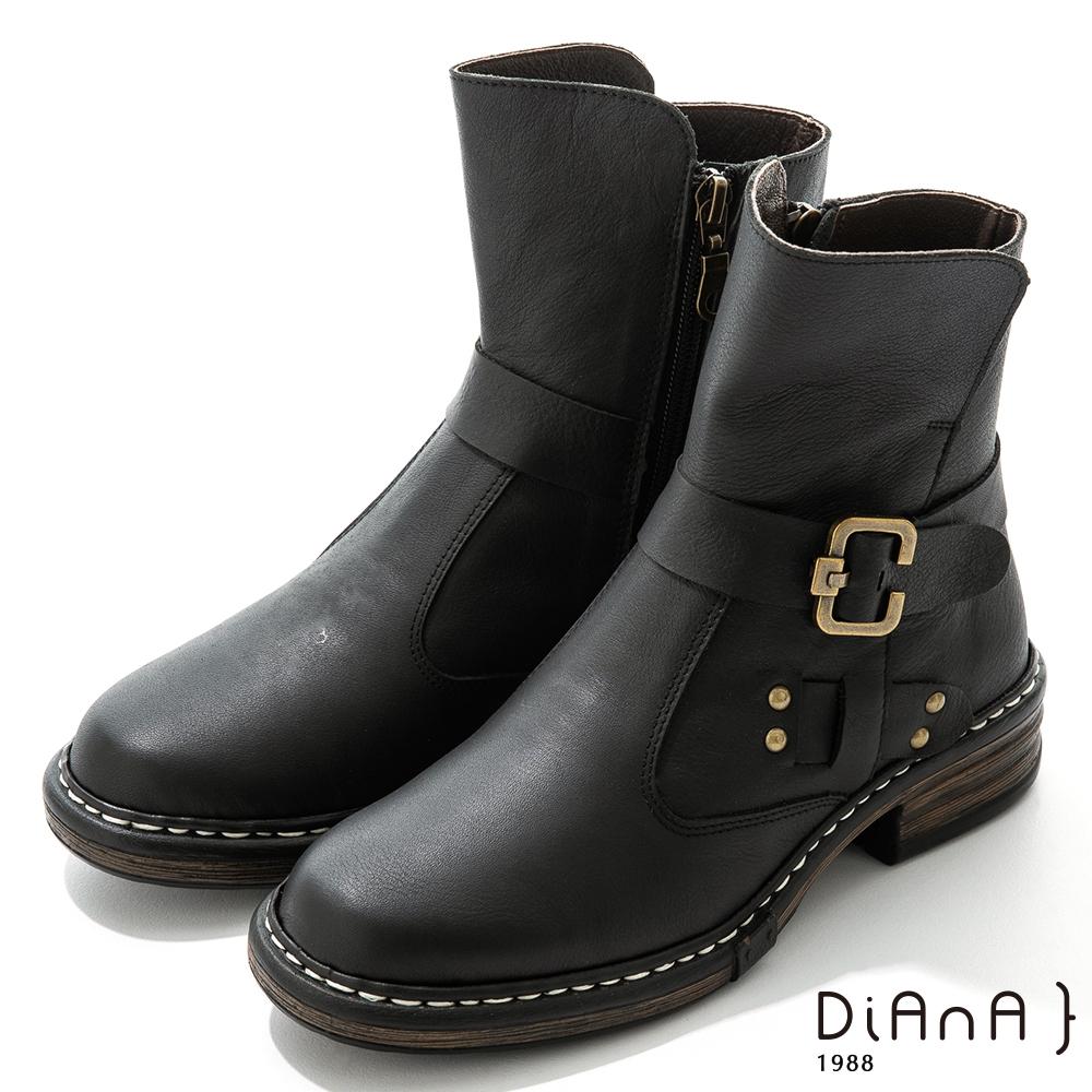 DIANA 4.5cm 質感牛皮鉚釘皮帶環踝釦飾工程靴-率性自我-黑