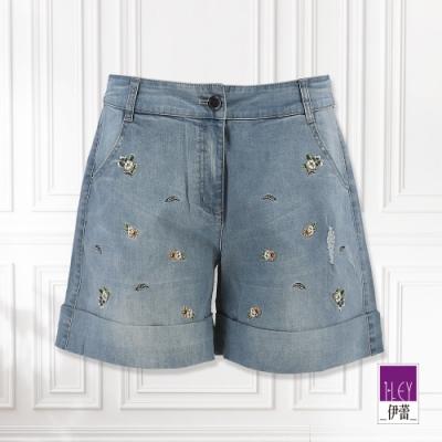 ILEY伊蕾 俏皮花朵刺繡牛仔短褲(藍)