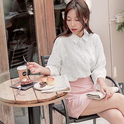 高含棉立體織紋蕾絲雕花珍珠點綴七分袖襯衫-OB大尺碼