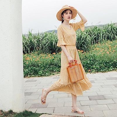 不易皺滿版小碎花腰鬆緊蛋糕裙襬荷葉袖雪紡長洋裝-OB大尺碼