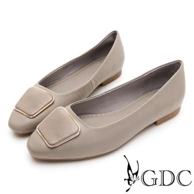 GDC-文青小姐素色基本歐風方釦平底包鞋-灰色