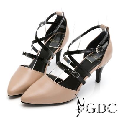 GDC-歐美魅惑真皮交叉羅馬素色百搭尖頭中跟涼鞋-駝色