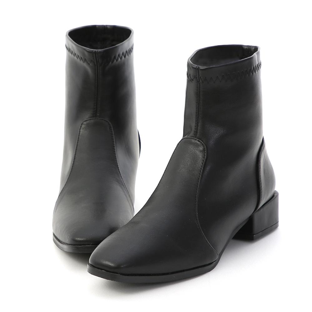 D+AF 質感有型.素面方頭中跟襪靴*黑
