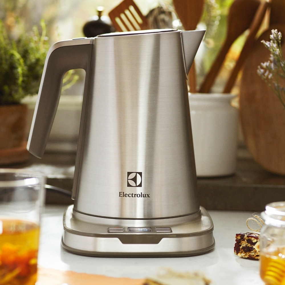 Electrolux 伊萊克斯設計家系列溫控電茶壺EEK7804S