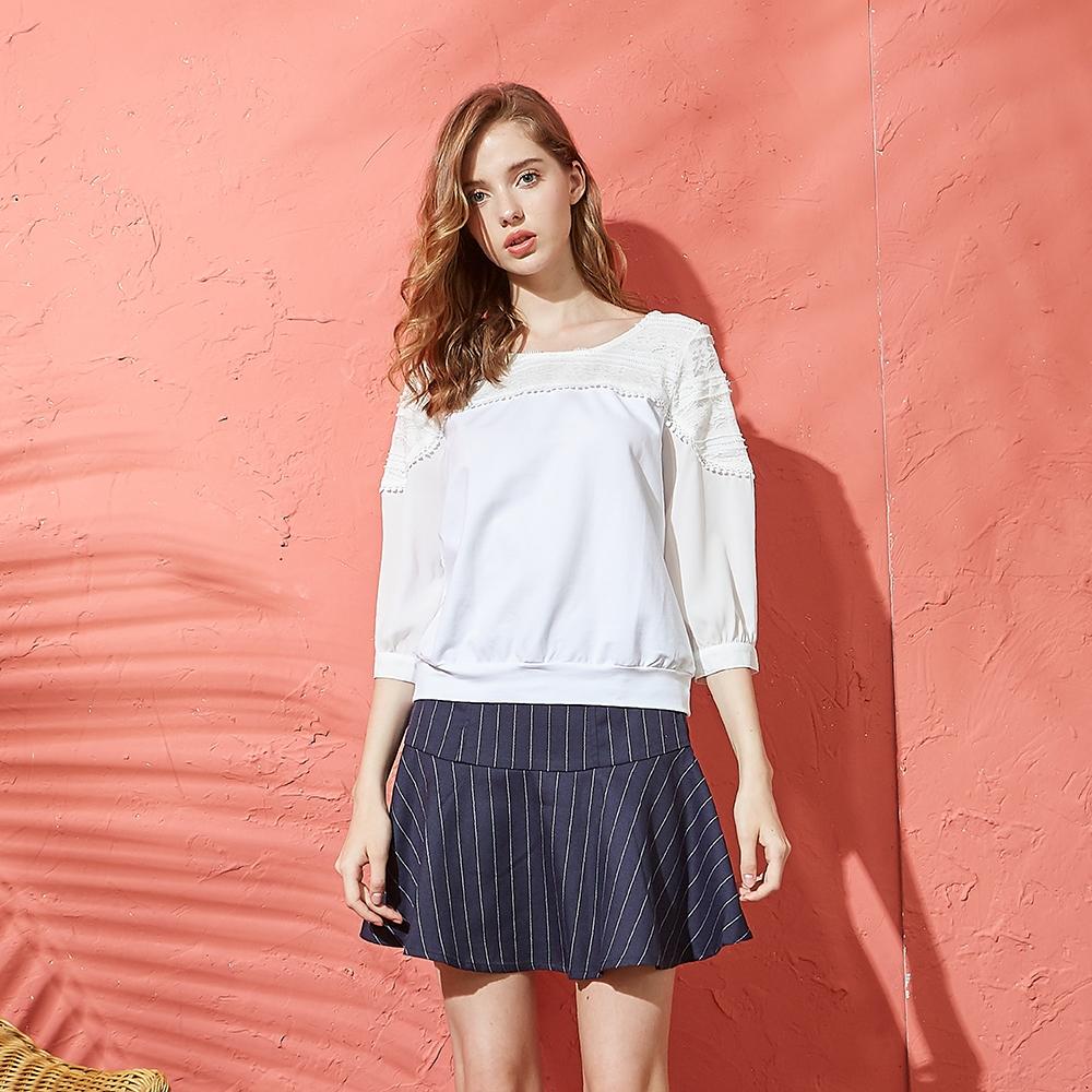 【CUMAR】蕾絲拼袖毛球-女七分袖上衣(二色/版型適中)