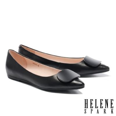 平底鞋 HELENE SPARK 簡約質感烤漆方釦全真皮尖頭平底鞋-黑