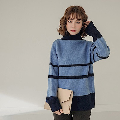 配色條紋柔軟親膚高領細針織長袖毛衣-OB大尺碼