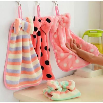 Baby童衣 掛式擦手巾 珊瑚絨 擦手 吸水 毛巾 可愛蝴蝶結可掛式珊瑚絨擦手巾 88479