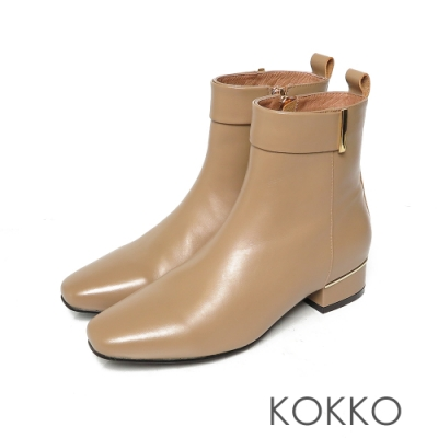 KOKKO時髦方頭小牛皮側拉鍊跟短靴淺奶茶色