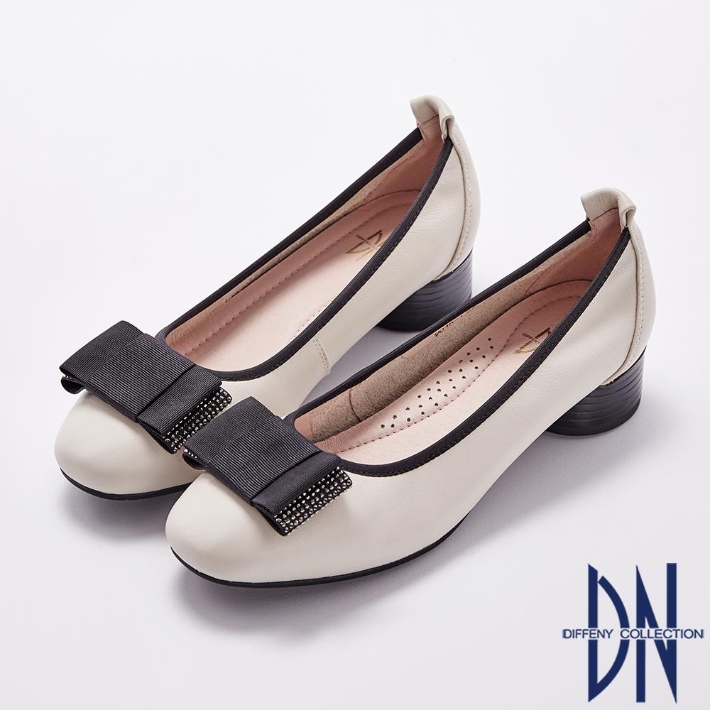 DN跟鞋_真皮素面拼接蝴蝶結水鑽低跟鞋-米