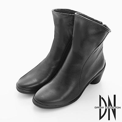 DN 米蘭風格 質感牛皮斜口中筒跟靴-黑