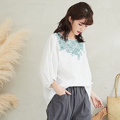 慢 生活花朵刺繡縮口袖上衣-F 藍色/白色