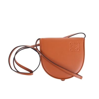 LOEWE 新款Heel Pouch Small馬蹄型肩背/斜背包 (焦糖色)