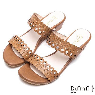 DIANA幾何蕾絲真皮楔型涼跟鞋-異國風情-棕