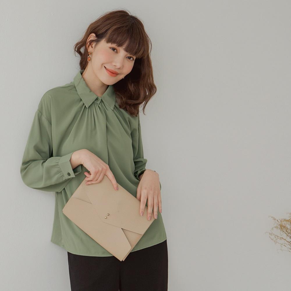 純色襯衫領抽皺滑順簡約長袖上衣-OB大尺碼 product image 1