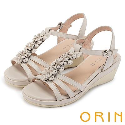 ORIN 夏日耀眼時尚 盛開花朵牛皮楔型涼鞋-米白