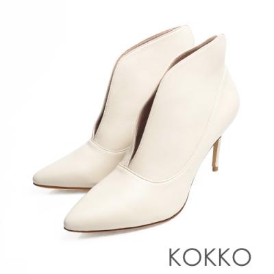KOKKO - 台灣手工綿羊皮細跟深V長腿踝靴 - 米白色